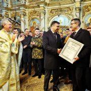 """Păstrătorul tradiţiilor Vasile Rus a primit diploma """"Arădeni cu care ne mândrim"""""""
