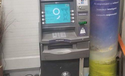 Persoane necunoscute au încercat să sustragă un bancomat din Arad, nu le-a reușit!