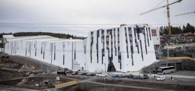 Și Norvegia se adaptează la încălzirea globală, a început schiul în săli!