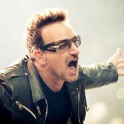 "Bono interpretează noua melodie ""Let Your Love Be Known"" prin intermediul streamingului live"