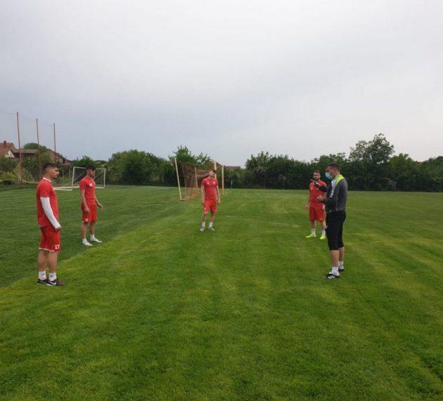 Pregătire în grupuri de câte patru: 25 de utişti în sprintul spre Liga 1!