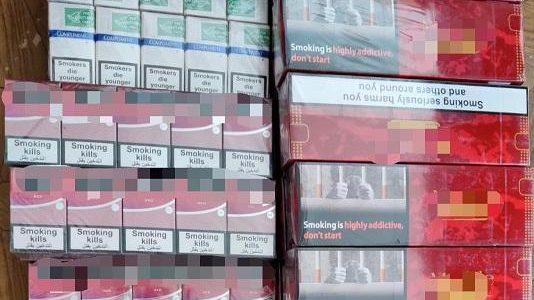 Țigări de contrabandă în Piața Mihai Viteazul
