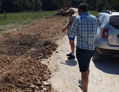 """Iustin Cionca: """"Pe Pâncota-Buteni am dispus refacerea unor tronsoane, nu acceptăm ca un drum nou să fie un drum cu probleme!"""""""