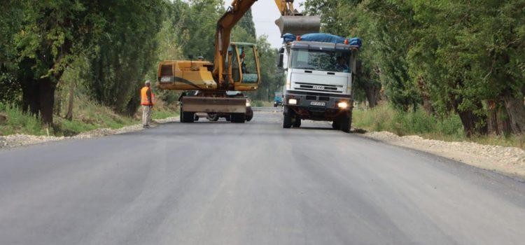 După mijlocul lunii se va circula pe asfalt proaspăt între Arad și Horia!