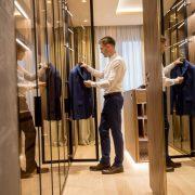 Tu știi ce piese vestimentare nu trebuie să-ți lipsească din garderobă pentru a fi mereu în trend?