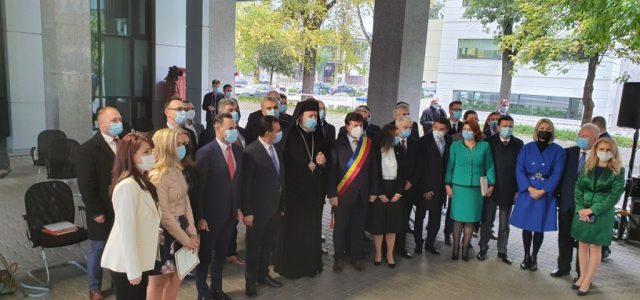 Noii consilieri județeni au depus jurământul în prezența premierului Orban