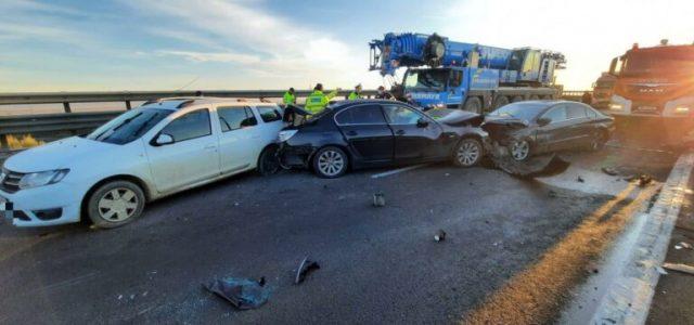 Şase persoane au fost rănite în urma accidentului de pe A1, la intrare în Piteşti