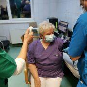 Primul cadru medical din Arad care a fost vaccinat împotriva Coronavirus