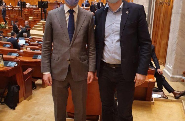"""Sergiu Vlad (USR Arad): """"Susținem economia prin investiții în infrastructură"""""""