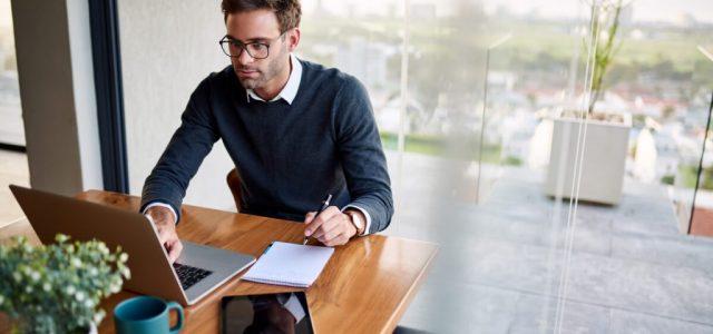 TOP 10 semne pe care laptop-ul tău ți le dă atunci când are nevoie de reparații