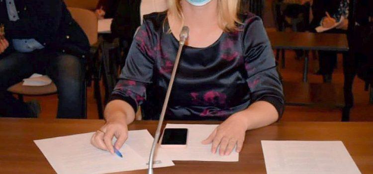 """Csilla Aur : """"PSD Arad sprijină educația copiilor și propune înființarea de noi creșe în Arad"""""""
