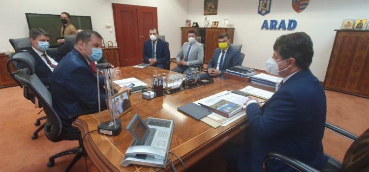 Ministrul Dezvoltării, în dezbatere la Arad despre proiectele Consiliului Județean