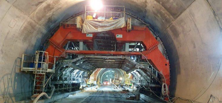 """Iustin Cionca: """"La tunelul feroviar de la Bata se lucrează neîntrerupt și ar putea fi gata anul viitor"""""""