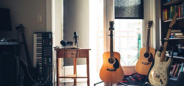 Muzică bună la tine acasă – Cum să o faci să sune mai bine?