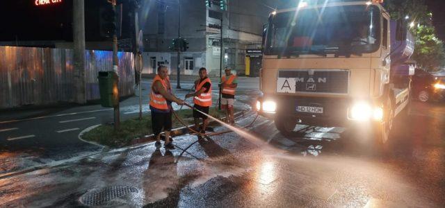 Continuă programul de spălare a Căii Aurel Vlaicu, urmează Calea Lactee