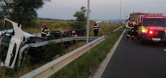 A curs lapte pe autostradă, în drept cu localitatea Ilia, la un accident