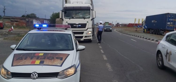 Acțiuni de verificare a legalității transportului de marfă efectuate de polițiștii arădeni