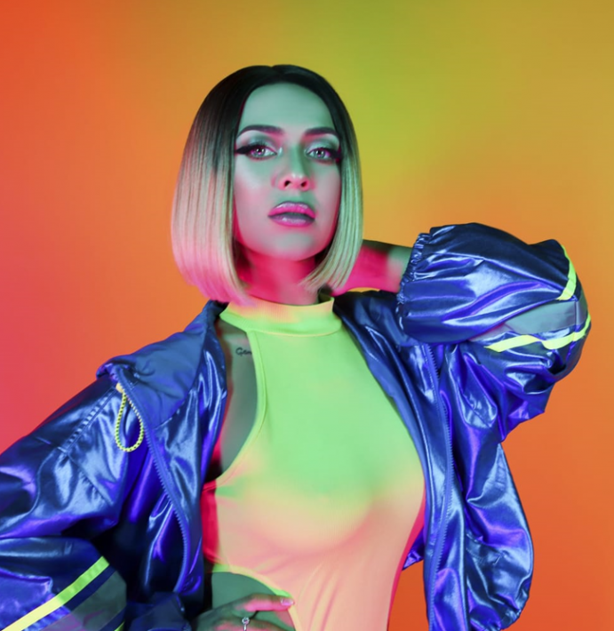 "BOMBĂ pe piața muzicală: Frumoasa Ronna Riva lansează super piesa ""Stories"""