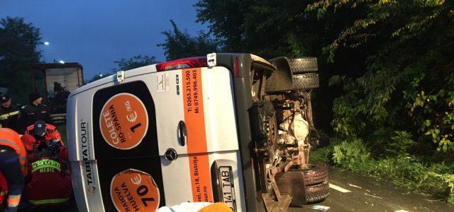Microbuz implicat în accident, lângă Verbiță