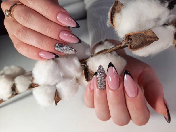 Decoruri multiple pentru unghii deosebit de frumoase!